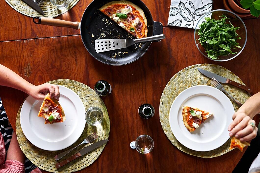 Zalige keukenhack voor op kot: maak een pizza zonder oven!