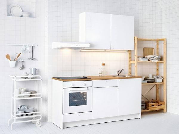 Zestaw białych mebli kuchennych Knoxhult