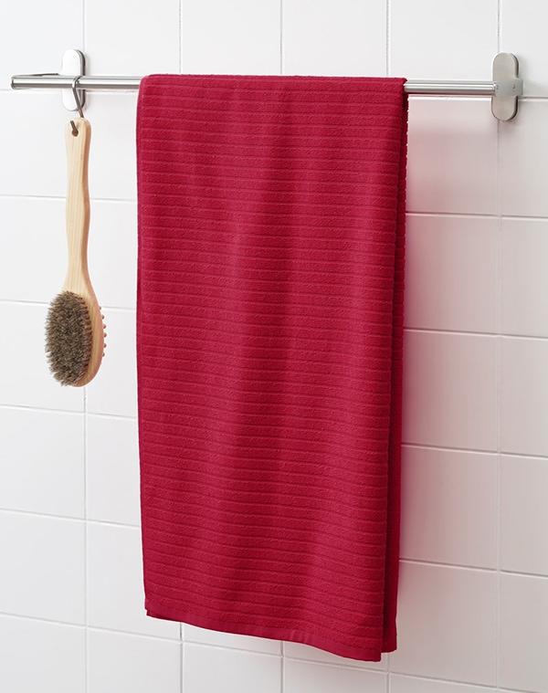 Зимняя коллекция полотенце красное