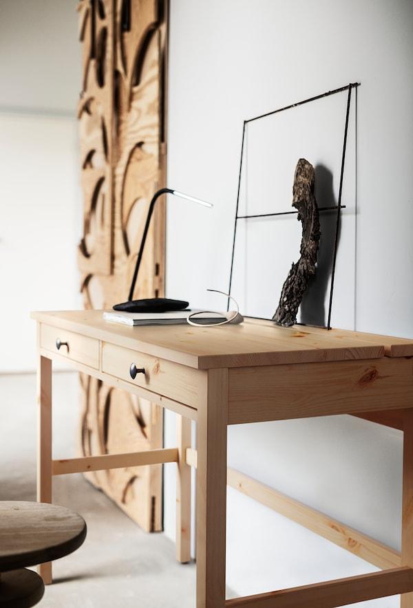 HEMNES Scrivania con 2 cassetti, marrone chiaro, 120x47 cm