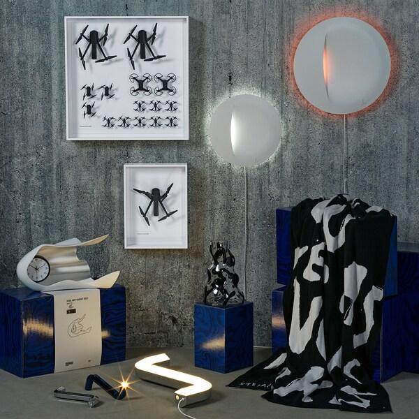 IKEA ART EVENT 2021 Lampada da parete a LED, bianco, 30 cm