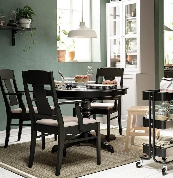 INGATORP / INGATORP Tavolo e 4 sedie, nero, 100/155 cm