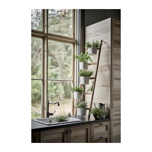 Ikea scaletta portavasi confortevole soggiorno nella casa for Portavasi a scaletta