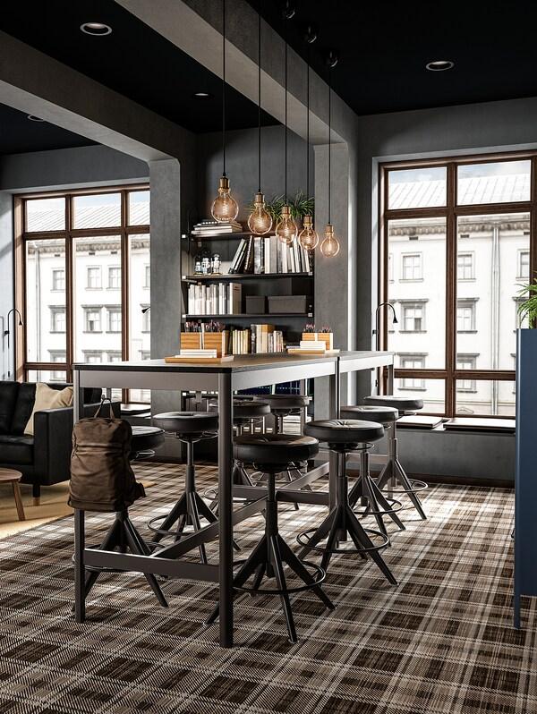 IDÅSEN طاولة, أسود/رمادي غامق, 140x70x105 سم