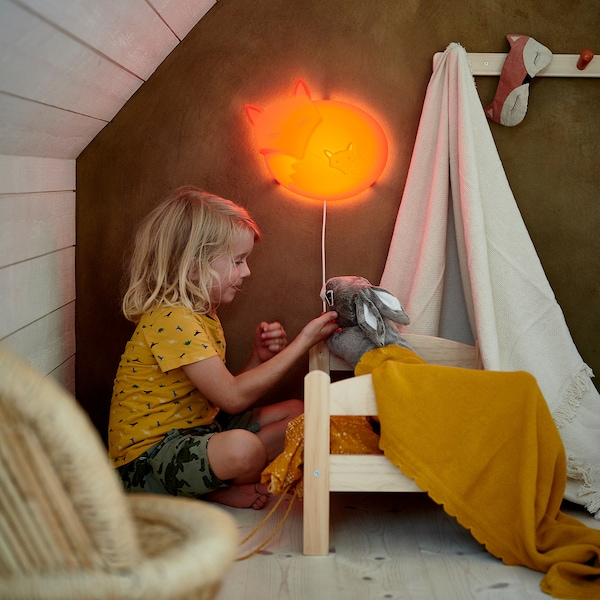ドゥクティグ 人形用ベッド ベッドリネンセット付き パイン材/マルチカラー 52 cm 36 cm 30 cm