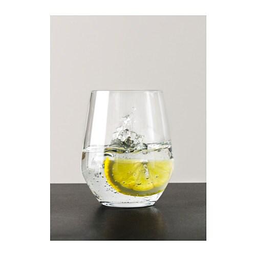 IVRIG グラス IKEA やや小ぶりで細身のグラスは白ワインにもぴったり。ワインの香りや風味を存分に引き出します