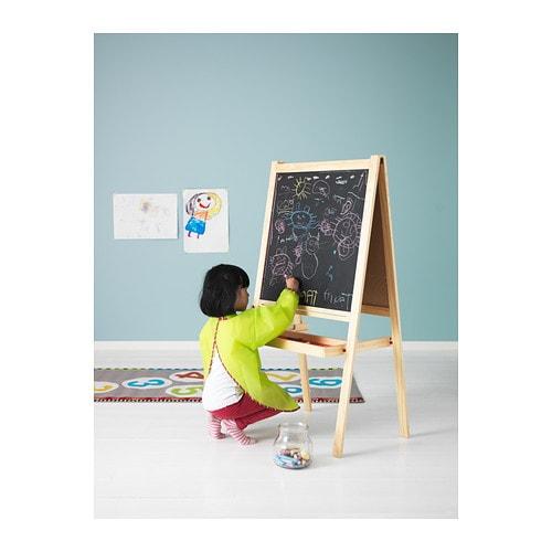 子供のお絵かきには黒板&ホワイトボードMÅLAイーゼルがおすすめ