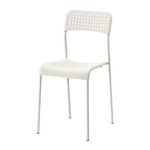 ADDE 아데 의자 IKEA 의자를 포개둘 수 있어서 보관할 때 공간을 많이 차지하지 않습니다.
