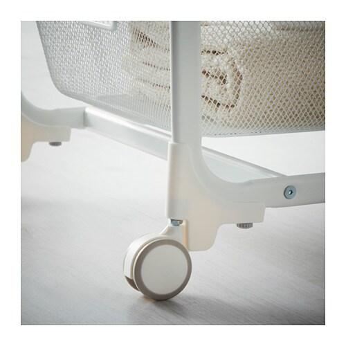 ALGOT 알고트 바퀴 IKEA ALGOT/알고트 바퀴를 달면 더욱 쉽게 옮길 수 있습니다. 욕실 등의 습기가 많은 곳에서도 사용할 수 있습니다.