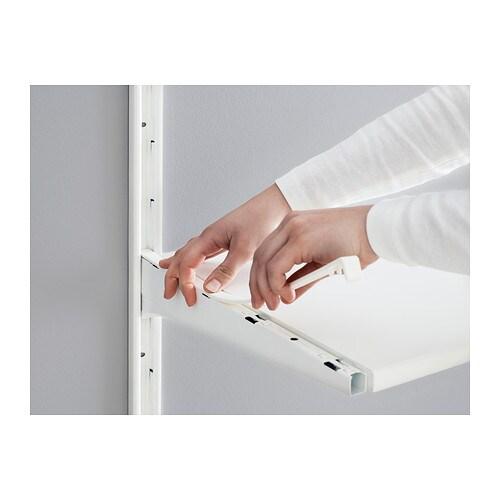 ALGOT 알고트 브래킷 IKEA ALGOT/알고트 벽고정대에 브래킷을 끼우기만 하면 별도의 도구 없이도 선반이나 구성품 등을 설치할 수 있습니다. 커버스트립으로 선반과 부속품을 고정하고 주변을 깔끔하게 정리해보세요.