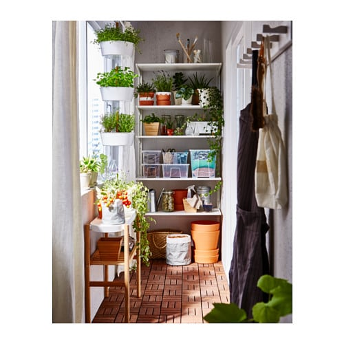 ALGOT 알고트 벽고정대/선반 IKEA ALGOT/알고트 시리즈는 다양한 방식으로 조합할 수 있고 용도와 공간에 맞게 구성할 수 있습니다. 지지대, 선반, 액세서리는 끼우기만 하면 되므로 쉽게 조립하고 조정할 수 있고 수납 솔루션을 간단히 변경할 수 있습니다.