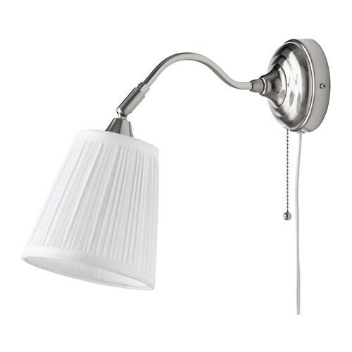 ÅRSTID 오르스티드 벽부착등 IKEA 텍스타일 전등갓은 불빛이 은은하게 퍼지고 부드럽고 안락한 분위기를 연출합니다.