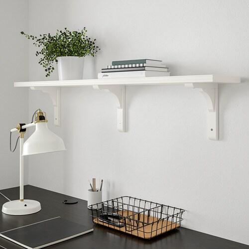 BERGSHULT 베리스훌트 / RAMSHULT 람스훌트 벽선반 IKEA BERGSHULT/베리스훌트 벽선반의 긴 측면 한편은 경사진 가장자리, 반대편은 매끄러운 가장자리여서 선호하는 스타일에 따라 원하는 면을 선택할 수 있습니다.