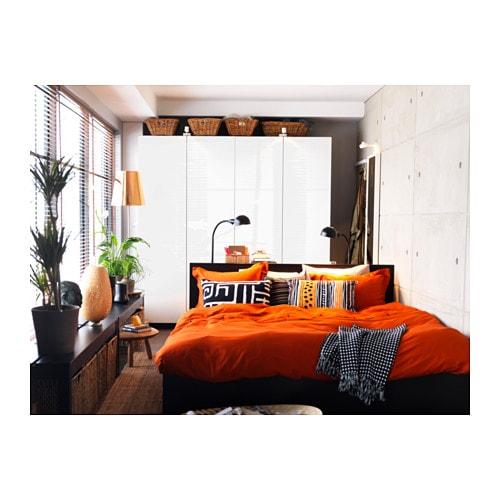 BÖJA 뵈야 탁상스탠드 IKEA 대나무를 엮어서 만든 전등갓으로 벽에 멋진 패턴이 생깁니다. 핸드메이드 전등갓으로 제품마다 다른 개성을 느낄 수 있습니다.
