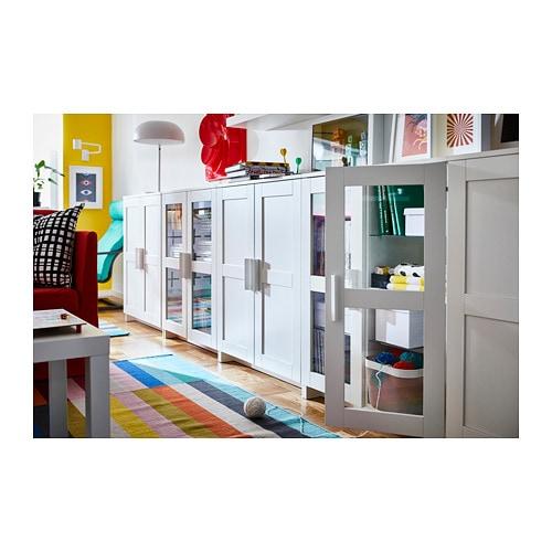 BRIMNES 브림네스 도어수납장 IKEA 선반의 높이와 간격을 조절하여 나에게 꼭 맞는 수납공간을 만들 수 있습니다.