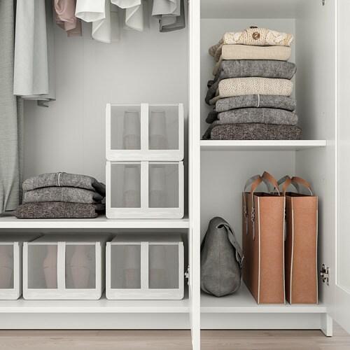 BRIMNES 브림네스 옷장+도어3 IKEA 집은 가족을 보호하는 안전한 장소여야 합니다. 그래서 본 옷장 제품에는 벽 고정장치가 동봉되어 있습니다. 거울도어는 왼쪽이나 오른쪽, 중앙에 설치할 수 있습니다. 거울도어제품으로 따로 거울을 놓을 필요가 없습니다.