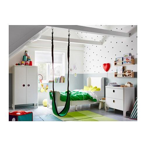 BUSUNGE 부숭에 길이조절침대 IKEA 어린이가 성장함에 따라 길이를 연장할 수 있습니다. 원목소재의 갈빗살이 몸을 안정감 있게 받쳐줍니다.