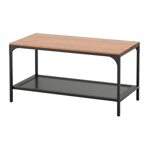 FJÄLLBO 피엘보 커피테이블 IKEA 메탈과 원목 소재의 소박한 커피테이블로, 별도의 선반에는 잡지 등을 두고 편리하게 사용할 수 있습니다. 목재는 살아 숨 쉬는 천연 소재로 독특한 나뭇결과 색상, 질감을 가지고 있어 원목 가구마다 고유한 특성을 갖고 있습니다.