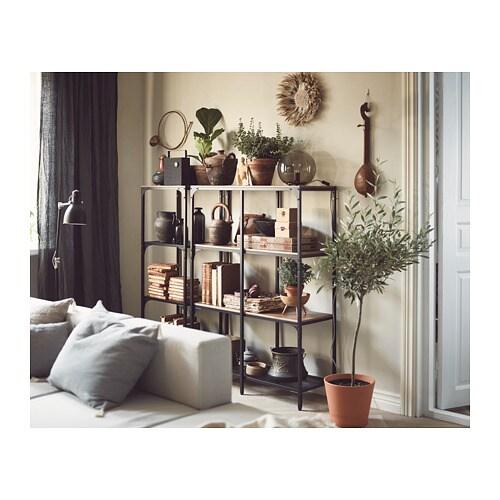 FJÄLLBO 피엘보 선반유닛 IKEA 메탈과 원목 소재의 소박한 선반으로, 제품마다 독특한 매력을 느낄 수 있습니다. 하나의 유닛은 한정된 공간에서 그 자체로 충분한 수납공간으로 기능하며, 필요에 따라 더 큰 수납공간으로 확장할 수도 있습니다.