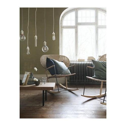 GRÖNADAL 그뢰나달 흔들의자 IKEA 등받이와 시트를 손으로 짜서 제품마다 약간 다른 모양의 개성을 가지고 있습니다. 천연소재인 라탄과 물푸레나무를 사용하여 시간이 흐를수록 멋스러워집니다.