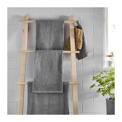 HÄREN 헤렌 수건L IKEA 중간 두께의 테리 타월로 부드럽고 흡수력이 매우 좋습니다 (중량 400 g/m²). 길고 가는 코마면을 사용하여 부드럽고 내구성이 높습니다.