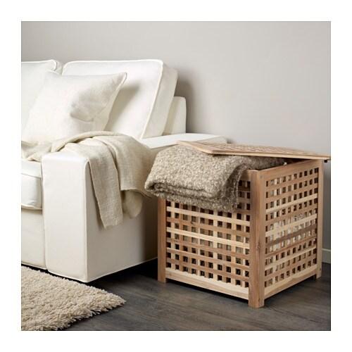 HOL 홀 보조테이블 IKEA 천연 원목 소재로 내구성이 뛰어납니다. 테이블 상판 아래를 실용적인 수납공간으로 활용할 수 있습니다.