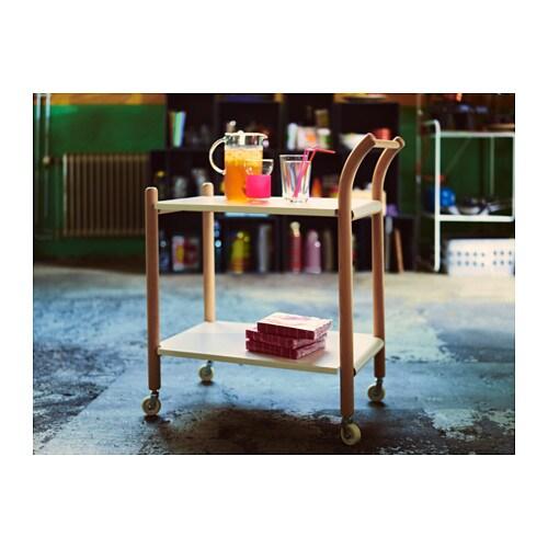 IKEA PS 2017 이동식 보조테이블 IKEA 보조테이블은 워크스테이션, 커피테이블, 주방카트, 침대협탁 등 여러 가지 방법으로 사용할 수 있습니다. 손잡이가 편한 높이에 있고 바퀴가 달려있어서 쉽게 옮길 수 있습니다. 고정식 선반 2개로 안정성을 높였습니다.