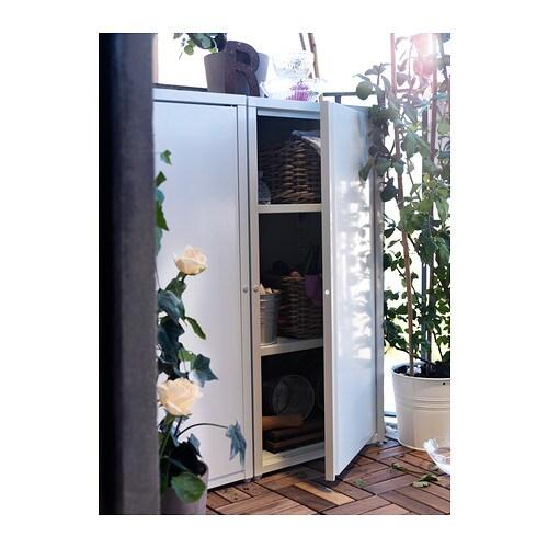 JOSEF 요세프 수납장, 실내외겸용 IKEA 높이조절식 선반 2개가 포함되어 있으며 도어가 열리는 방향을 선택할 수 있습니다. 2단으로 쌓을 수 있고 제품구성에 연결부품이 포함되어 있습니다.