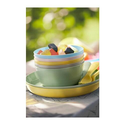 KALAS 칼라스 접시 IKEA 파티용 및 식사용으로 사용할 수 있습니다. 내구성이 뛰어난 플라스틱 제품으로 식기세척기와 전자레인지에서도 안심하고 사용할 수 있습니다. 움푹한 디자인으로 아이들이 음식을 덜 흘려서 더욱 깔끔하게 식사를 할 수 있습니다.