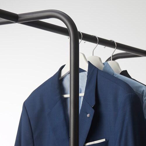 KORNSJÖ 코른셰 옷걸이행거 IKEA 바퀴가 있어서 쉽게 옮길 수 있습니다. 다리받침의 높이를 조절할 수 있어서 고르지 않은 바닥에도 안정적으로 세울 수 있습니다.