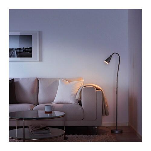 KVART 크바르트 플로어스탠드/독서등 IKEA 조명의 각도와 방향을 자유롭게 조절할 수 있습니다. 독서등으로 사용해보세요.
