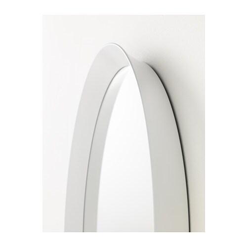 LANGESUND 랑에순드 거울 IKEA 안전필름이 부착되어 있어서 거울이 깨져도 다칠 위험이 적습니다. 대부분의 방에서 사용할 수 있고 욕실제품으로 검사와 승인을 거친 제품입니다.