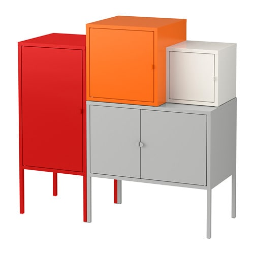 LIXHULT 릭스훌트 수납콤비네이션 IKEA 크고 작은 아이템을 수납할 수 있는 컬러풀 콤비네이션 수납장 문 안쪽에 중요한 자료, 편지, 신문 등을 정리해 둘 수 있습니다.