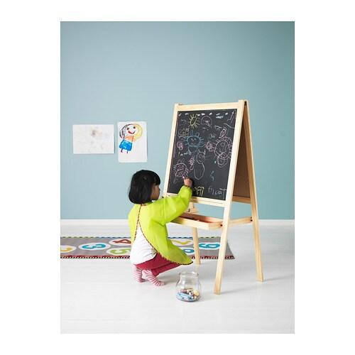 MÅLA 몰라 긴소매앞치마 IKEA 벨크로 접착 방식으로 쉽게 입고 벗을 수 있습니다.