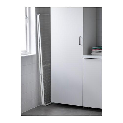 MULIG 물리그 실내외4단건조대 IKEA 실내외 어디에서나 사용할 수 있습니다. 다리받침의 높이를 조절할 수 있어서 고르지 않은 바닥에도 안정적으로 세울 수 있습니다.