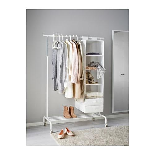 RIGGA 리가 옷걸이행거 IKEA 옷걸이봉의 위치를 6단계로 조절할 수 있습니다. 하단 선반에는 상자 혹은 신발 4켤레를 넣을 수 있습니다.