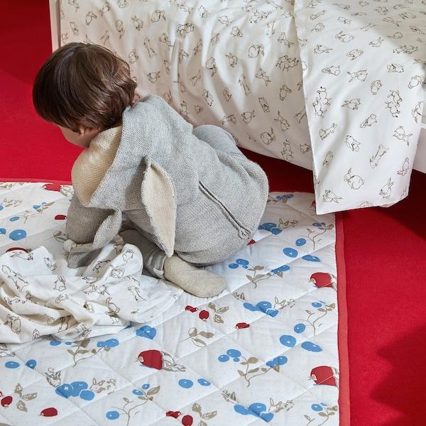 RÖDHAKE 뢰드하케 패브릭, 토끼/블루베리 패턴/화이트, 70x70 cm