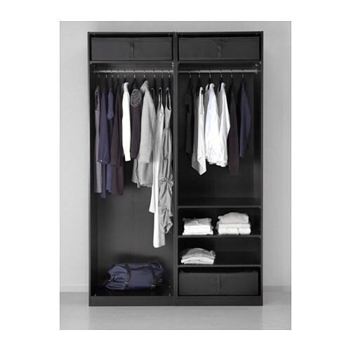 SKUBB 스쿠브 수납박스 IKEA 침대 밑에 두고 침대시트와 이불, 베개, 커버 등을 넣어보세요. 옷이나 침구에 먼지가 쌓이지 않도록 막아줍니다. 손잡이가 있어서 쉽게 꺼낼 수 있습니다.