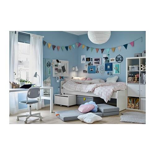 SLÄKT 침대프레임+갈빗살 IKEA 날카로운 가장자리 때문에 더 이상 걱정하지 않도록 모서리를 둥글게 디자인했어요.