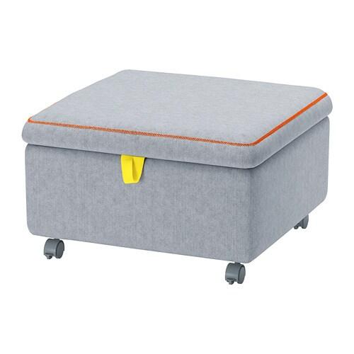 SLÄKT 슬렉트 수납의자모듈 IKEA 간편하게 이동할 수도 있고 바퀴 4개를 고정하면 원하는 위치에 안정적으로 세워 둘 수도 있습니다. 뚜껑을 열면 실용적인 수납공간이 있어요.