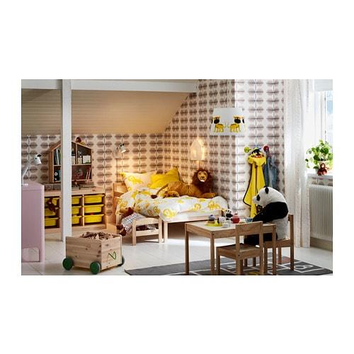 SNIGLAR 스니글라르 침대프레임+갈빗살 IKEA 원목제품으로 내구성이 뛰어납니다. 안전가드를 설치하면 침대에서 떨어질 염려가 없습니다. 갈빗살이 있어서 통기성이 좋습니다.