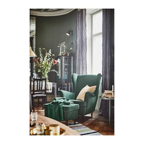 STRANDMON 스트란드몬 윙체어 IKEA 의자의 등받이가 높아서 목을 안정적으로 받쳐주기 때문에 더욱 편안하게 쉴 수 있습니다.