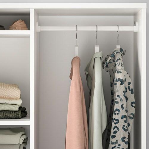 SYVDE 쉬브데 오픈형 옷장 IKEA 선반의 내용물이 잘 보이고 쉽게 꺼낼 수 있습니다. 선반의 높이와 간격을 조절하여 나에게 꼭 맞는 수납공간을 만들 수 있습니다. SYVDE/쉬브데 오픈옷장은 6칸서랍장인 MALM/말름과 완벽하게 어울립니다.