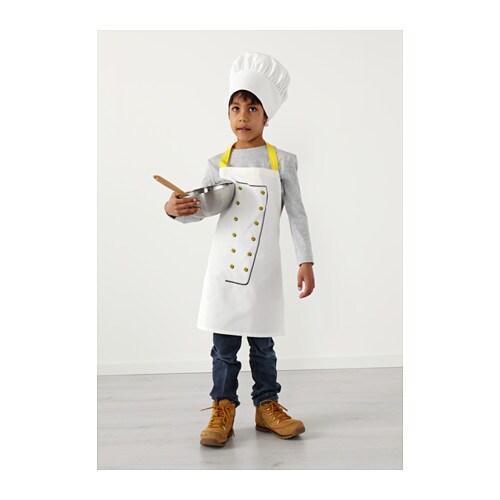 TOPPKLOCKA 톱클로카 어린이앞치마+요리사모자 IKEA 벨크로 접착 방식으로 아이의 몸에 엉켜도 쉽게 벗길 수 있습니다. 요리사 모자는 고무밴드 처리가 되어 있어서 다양한 연령대의 어린이가 사용할 수 있습니다.