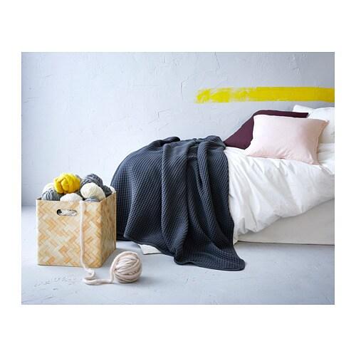 VÅRELD 보렐드 베드스프레드 IKEA 면 소재의 베드스프레드로 침대를 멋지게 장식할 수 있고 따뜻함과 편안함을 더해줍니다. 싱글침대용 베드스프레드나 큰 담요로로 사용할 수 있습니다.