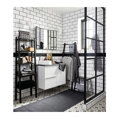 VILTO 빌토 선반유닛 IKEA 오픈선반에는 향수나 자주 사용하는 물건을 올려두세요. 다리 부분은 조절이 가능해 매우 안정적이고 바닥의 습기로부터 제품을 보호해 줍니다. 작은 욕실에서도 실용적으로 사용할 수 있습니다.