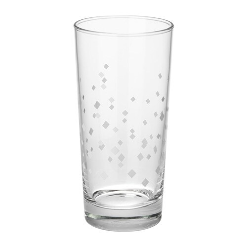 VINTER 2018 빈테르 2018 유리컵 IKEA 큼직하고 심플한 유리컵으로 차가운 음료를 담아 마시면 좋습니다. 탄산 칵테일을 붓고 얼음을 가득 담아보세요.