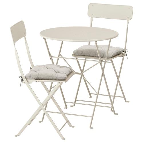 SALTHOLMEN طاولة+2كراسي قابلة للطي،خارجية بيج/Kuddarna رمادي