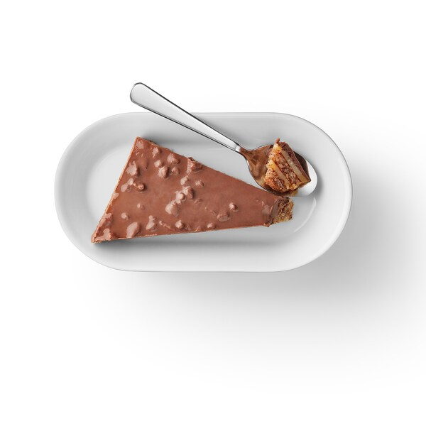 DAIM كيكة اللوز والشوكولاته مع الحلوى