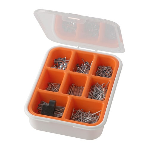 FIXA 550-piece nail set   The nail holder helps you to avoid striking your fingers.  Can be stacked with other boxes in the FIXA series.